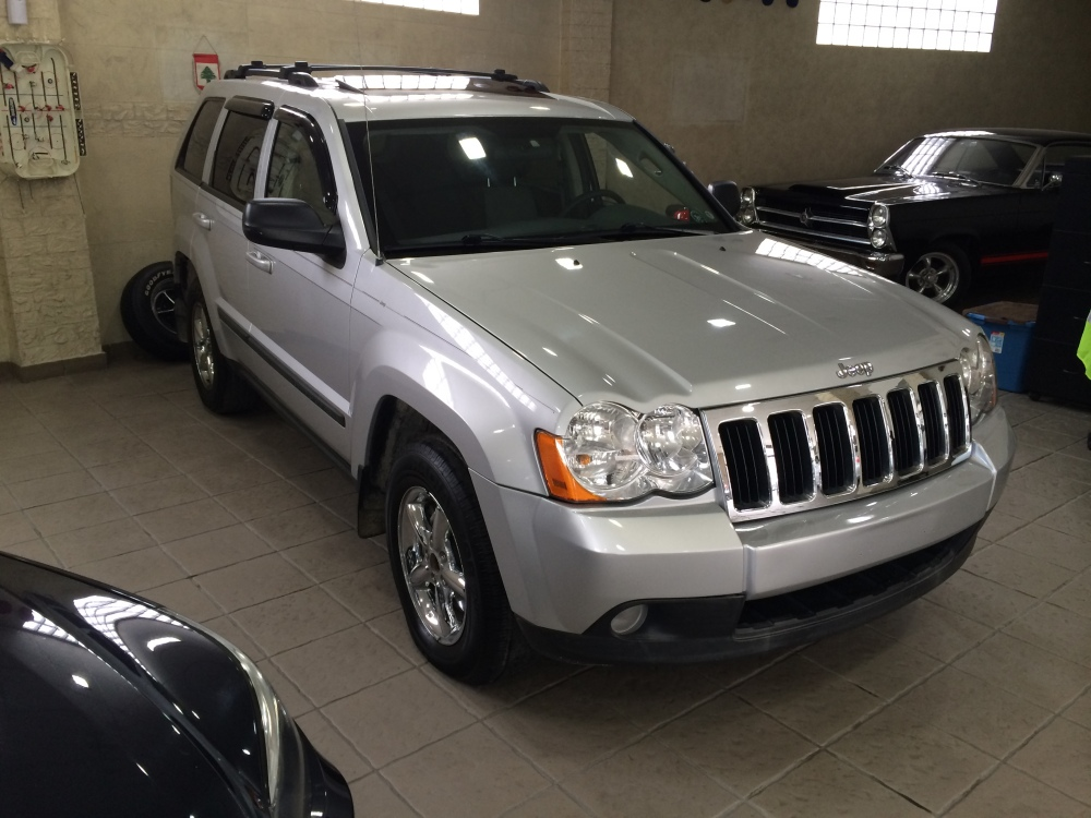 2008 Jeep Grand Cherokee Laredo V6 4x4 for sale @ Mini Me Motors in Beirut, Lebanon (2/6)