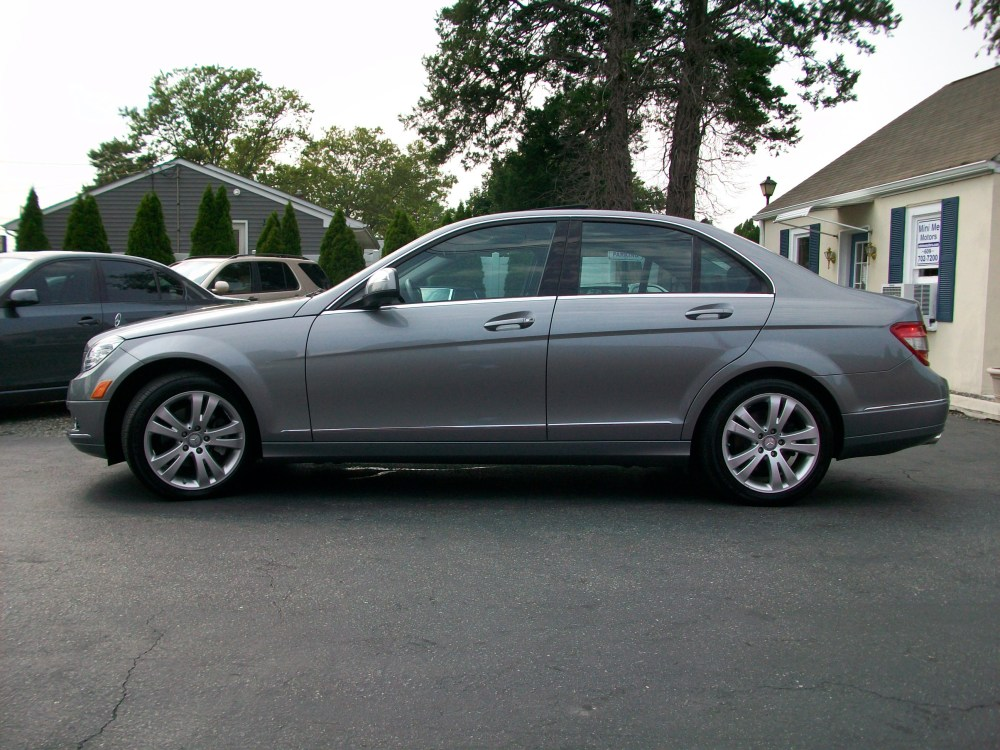 2008 Mercedes-Benz C300 4Matic luxury sedan for sale in Beirut, Lebanon (6/6)